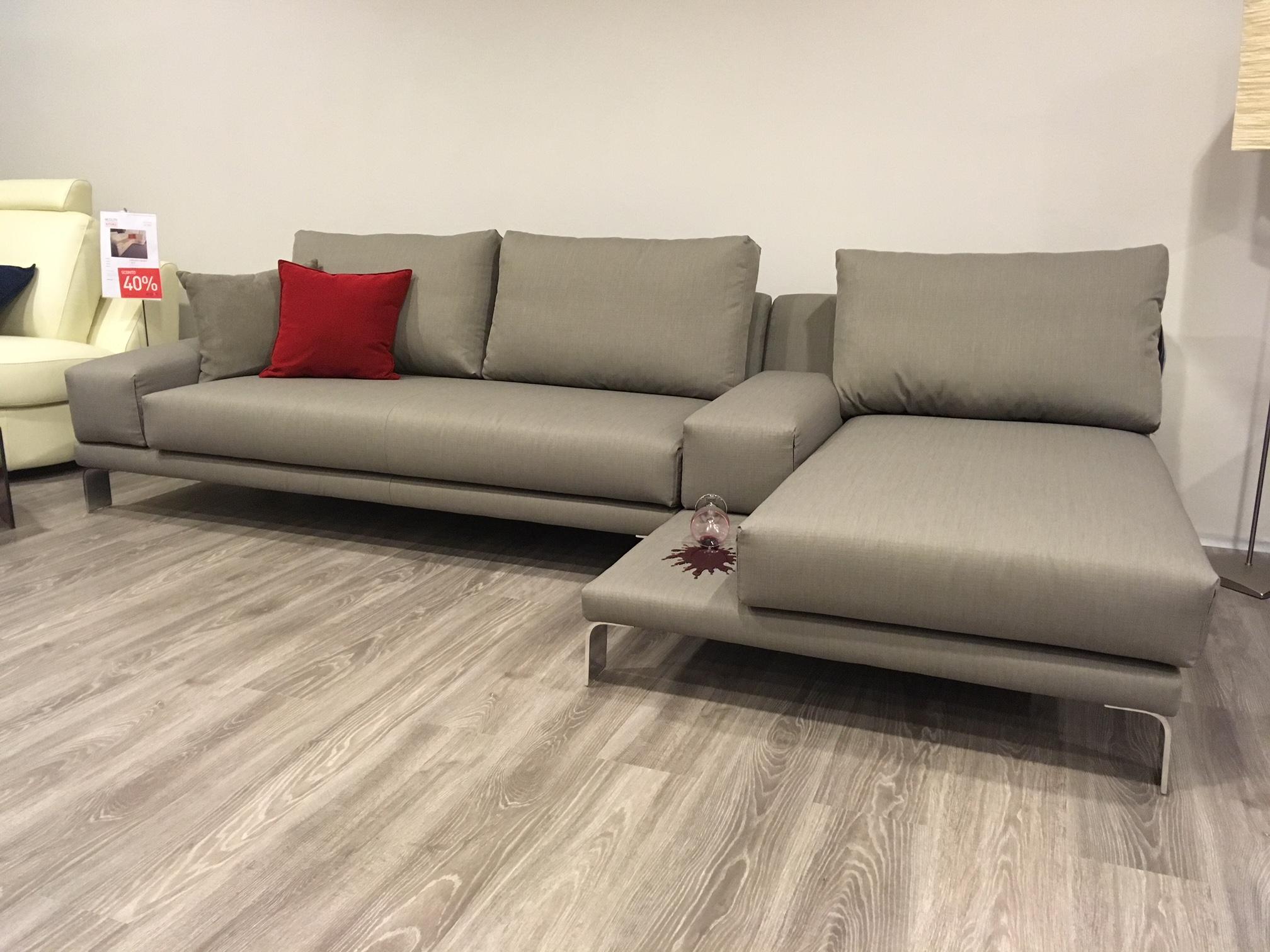 Divano Tessuto Antimacchia Opinioni logan di doimo salotti - sofa store